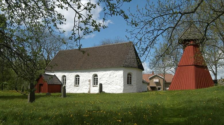 Ornunga gamla kyrka.