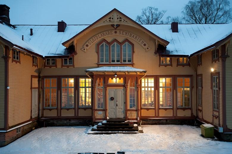 Slöjdseminariebyggnaden på Nääs i vinterskrud