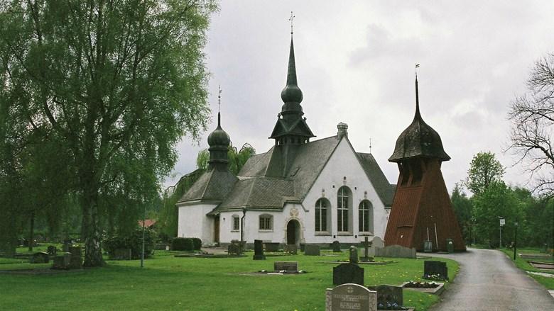 Lerums kyrka och klockstapel