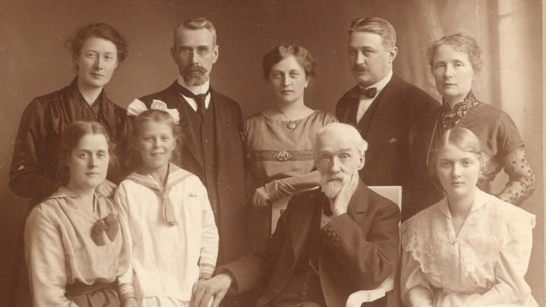 Anna Lundberg och hennes familj. Anna står längst till höger i bakre raden.