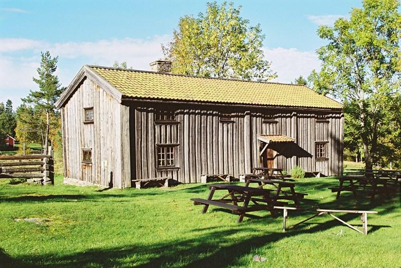 Foto på Gäserudsstugan i Dals-Eds kommun.