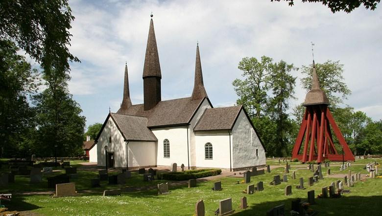 Kungslena kyrka i Tidaholms kommun.