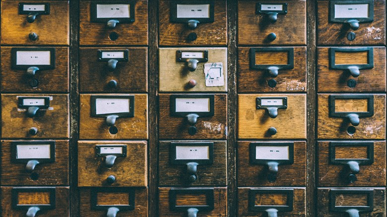 Behandling av personuppgifter med bild på arkivskåp.